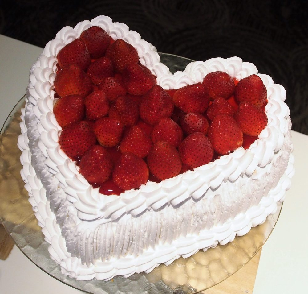 Strawberry Sans Rival Cake